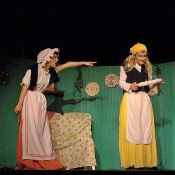 Holle Anyó - zenés mesejáték, gyermekprogram a Center Színházban | Center Színház