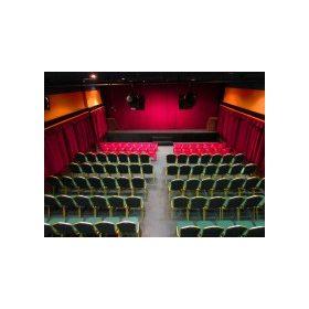 Színjátékos gyermekfelügyelet
